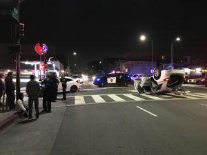 Accidente de carro de noche